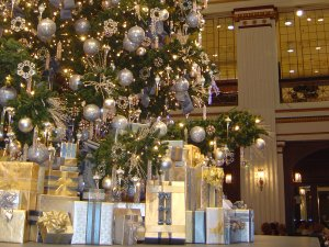 the great tree in the walnut room of macys